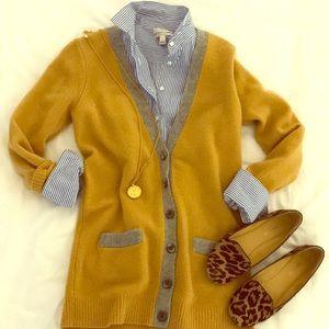 Amazing Wool yellow cardigan.